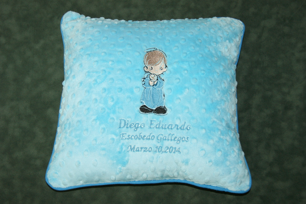 Baby's expressions pillows in blue color.