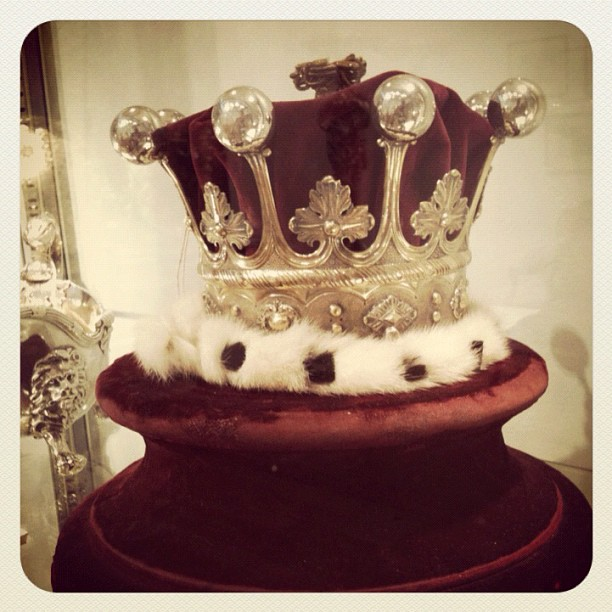 A countesses' coronet at Christies Auction house I would love to buy this for my wife (Taken with  Instagram )
