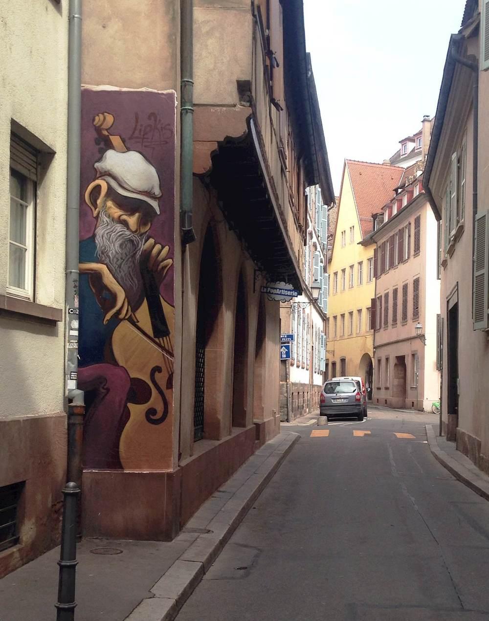 Alleyway Busker