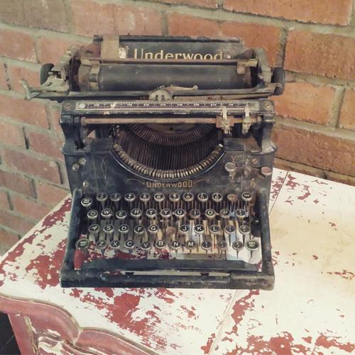 Vintage Typewriter Savannah Vintage And Antique Furniture