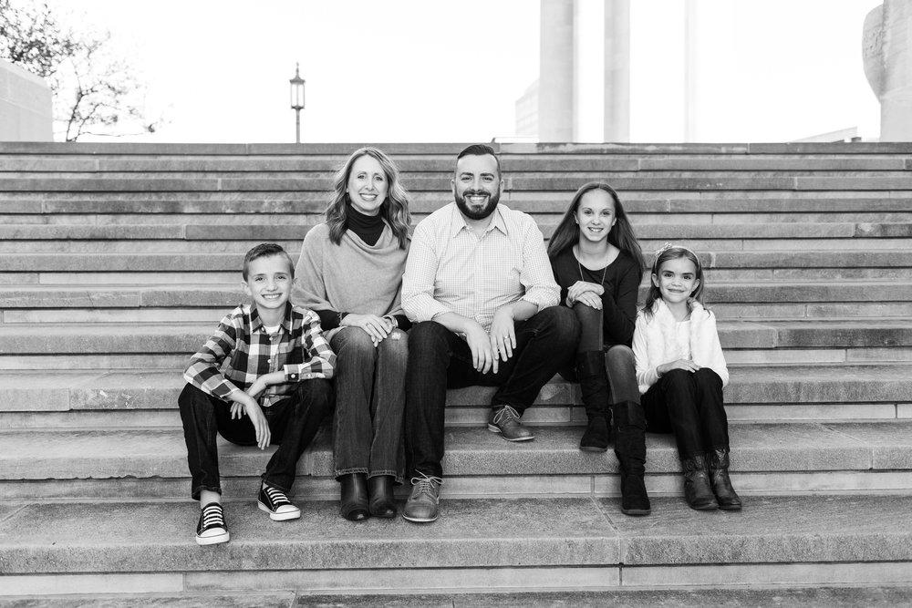 Downtown Kansas City Family Photos__MG_6832-2.jpg