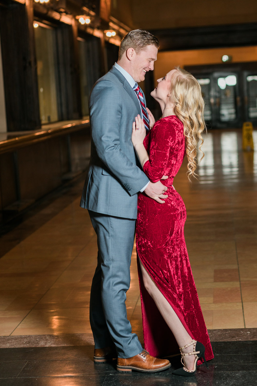 Kansas City Engagement Photos Union Station__P3A7435-23_.jpg