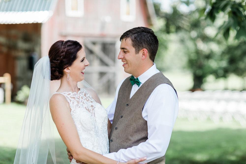 Northwest Arkansas Barn Wedding Photographer