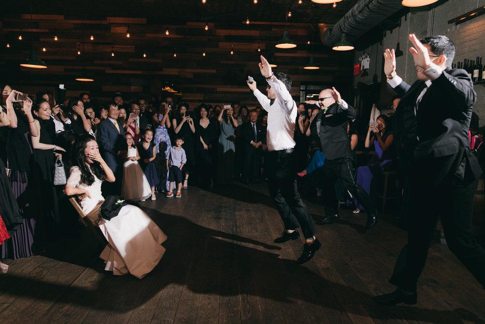 Quyn Duong Brooklyn Wedding Photographer-11.jpg