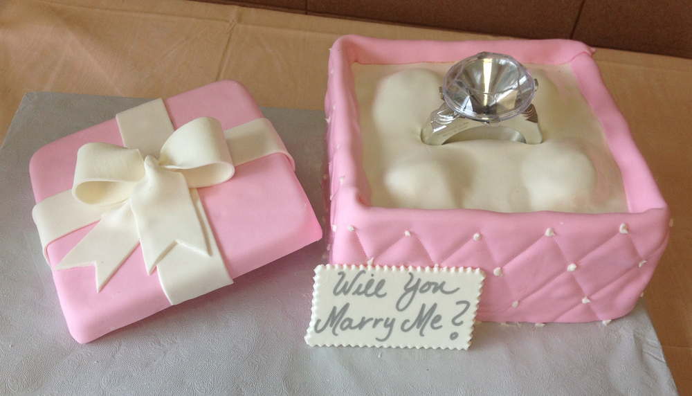 Small Engagement Cake Rolled Fondant Quilting Lid Bow Engagement Ring