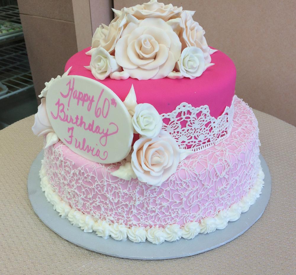 RF.pink.finebuttercreamlace.sugarveil.gumpasteroses