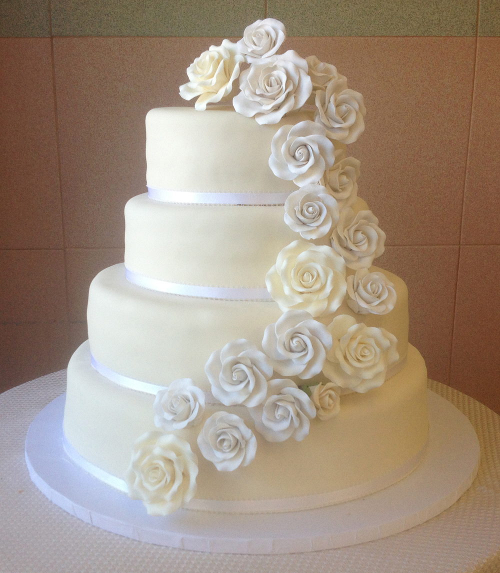 Ivory Rolled Fondant with White & Ivory Rolled Fondant Roses