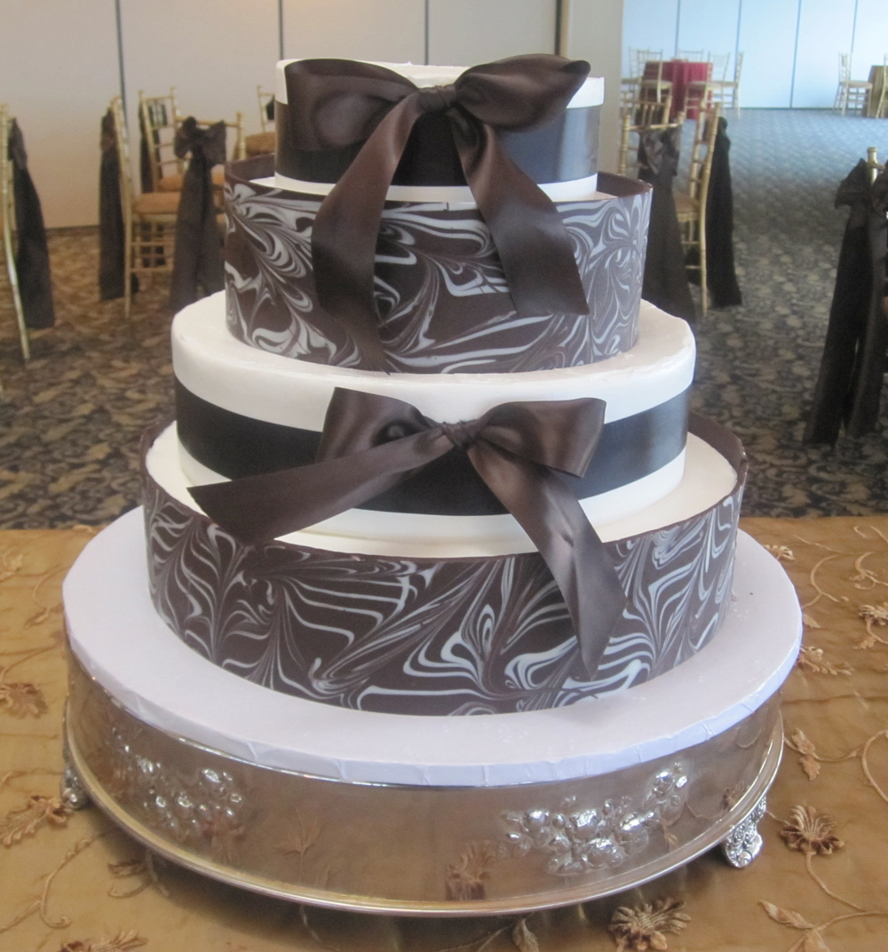 Marbleized Chocolate Wall with Material Ribbon