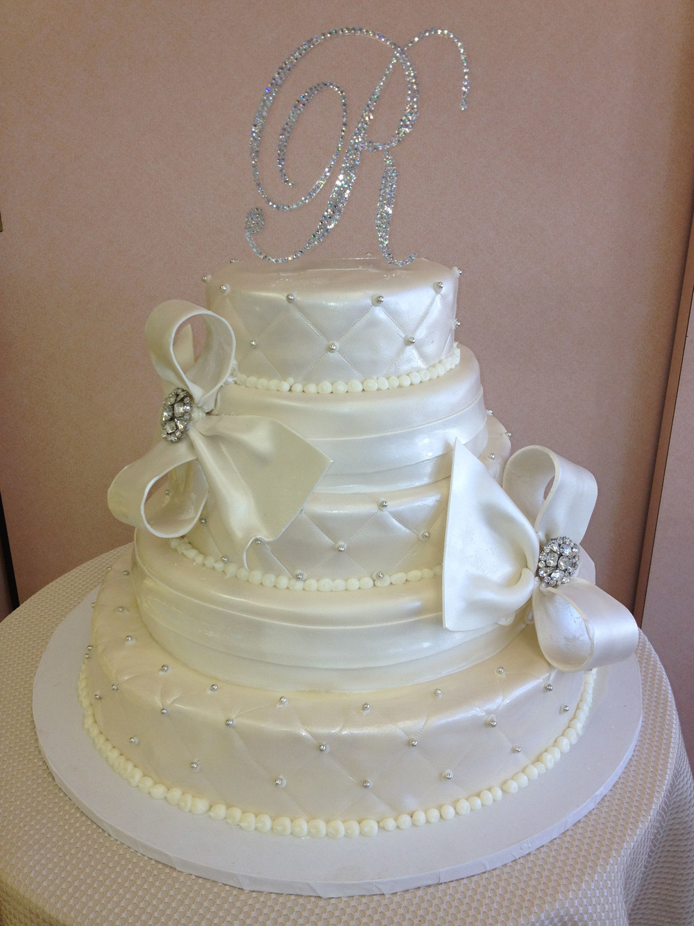 Ivory Rolled Fondant with Rolled Fondant Bows & Ribbons, Quilted & Pearlized