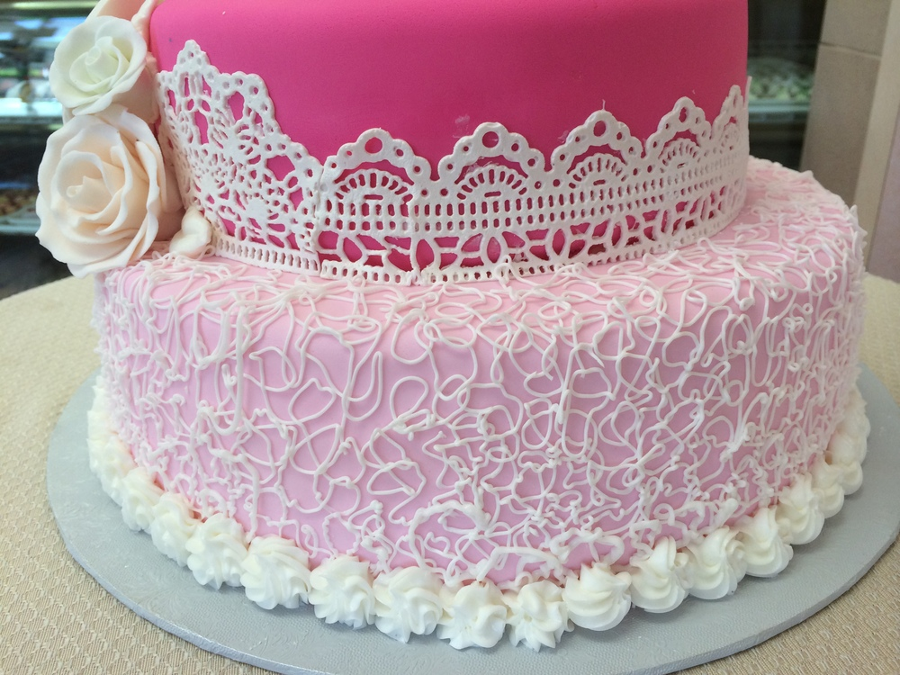 finebuttercreamlace.sugarveil.closeup.JPG