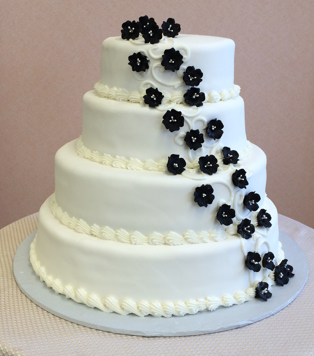 31 Rolled Fondant with Black Fruit blossoms