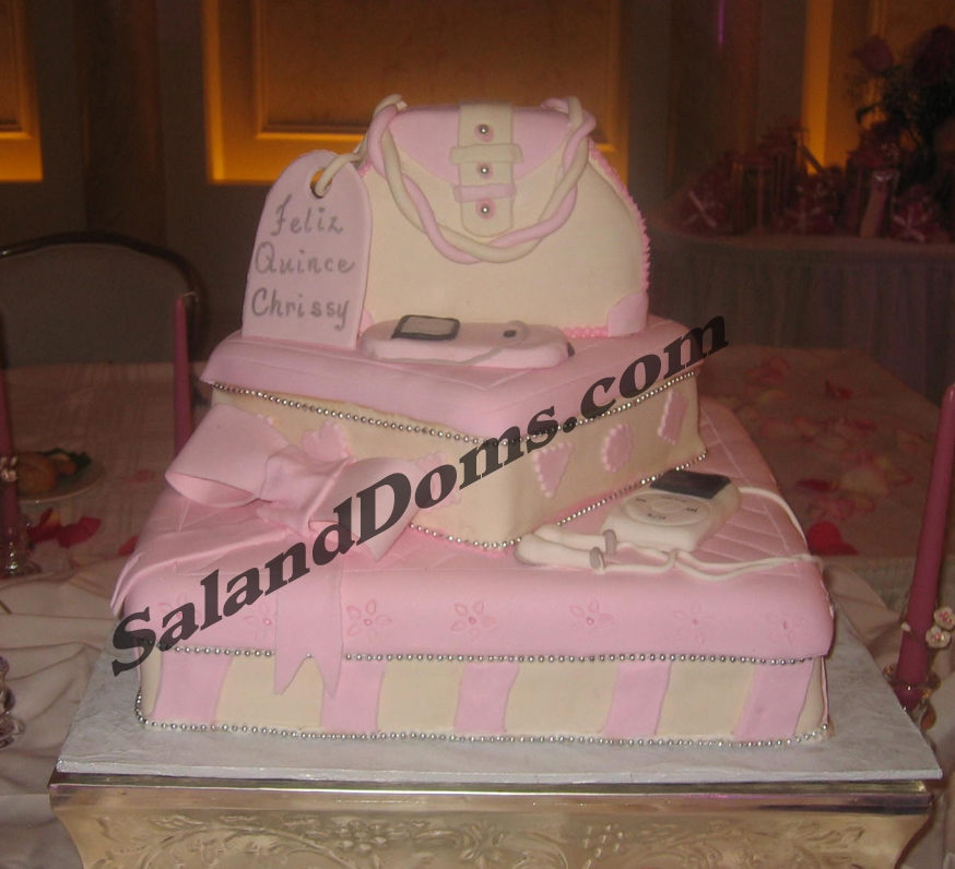 Handbag on Sq cake.Lids.Ipod.cellphone.Bow.jpg