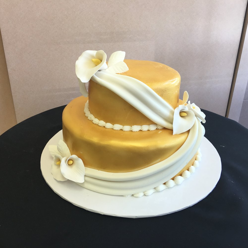 Gold Airbrushed Rolled Fondant with Drapes & Calla Lillies.jpg