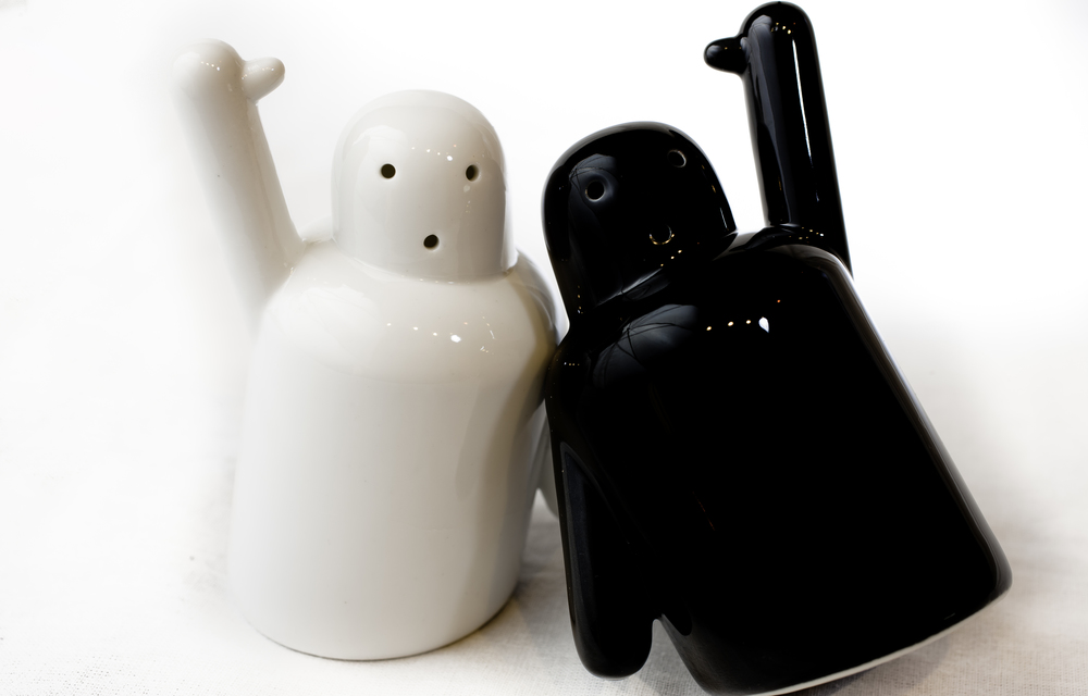 Pik Me Salt and Pepper Shakers 3.jpg
