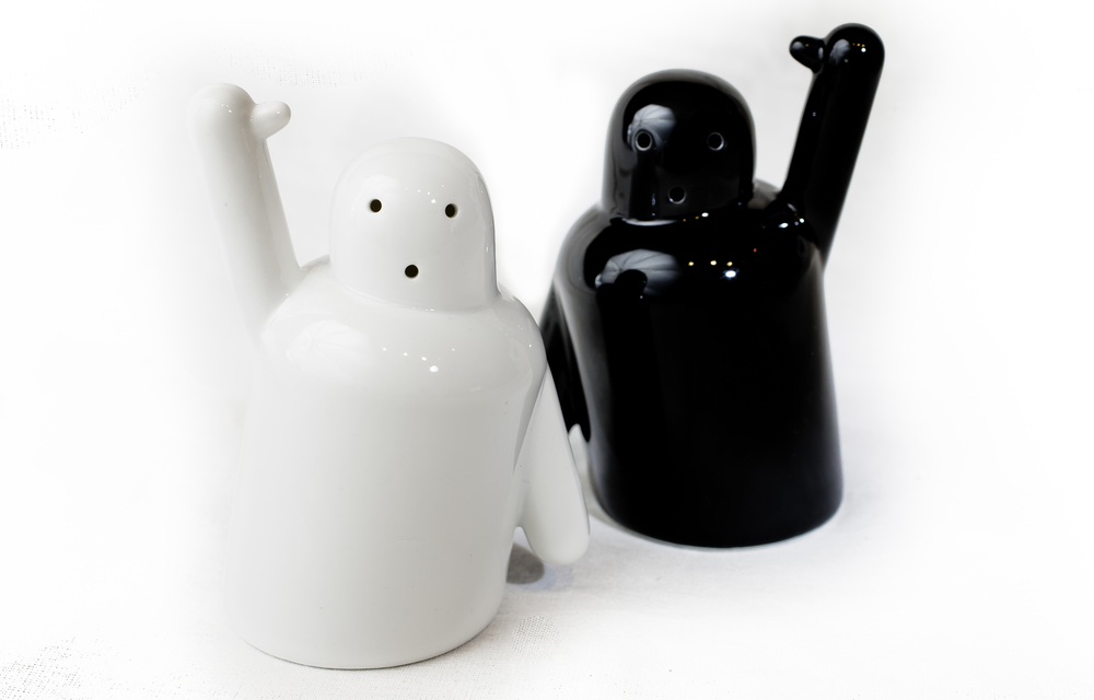 Pik Me Salt and Pepper Shakers 4.jpg