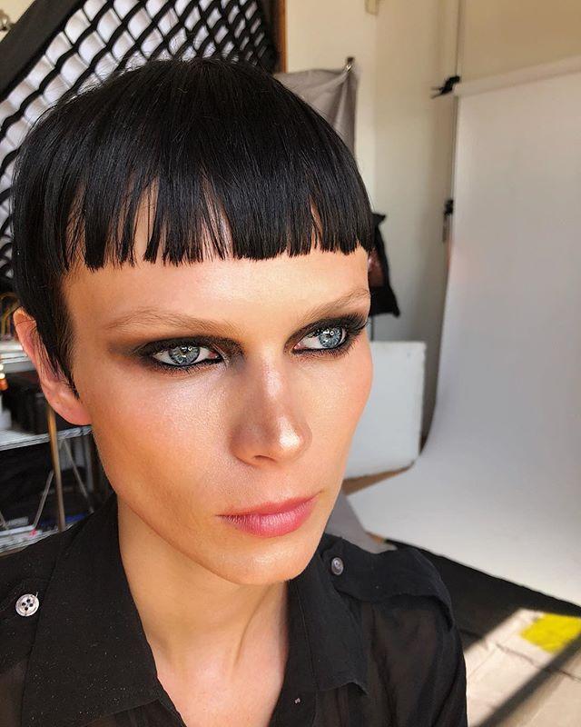 GlitterGlossLinerTextureChaos .....🖤🖤⚡️⚡️ Hypnotic eyes of @indre.aleksiuk @alexoustonbeauty #beautifulmess #gloss #smudge #blackliner #chaos #enda #makeupforeverglitter #blackglitter #shadow #fashion #newyorkmodel