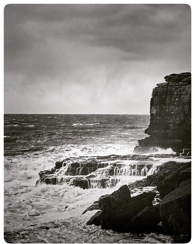 Storm. #storm #storms #sea #seascape #coast #coastal #blackandwhite #blackandwhitephotography #monochrome #monochromephotography #fujifilm #fujifilmxt2 #photography #photooftheday #pictorial #pictures #photography #portland #instagram #instagood #fujilove