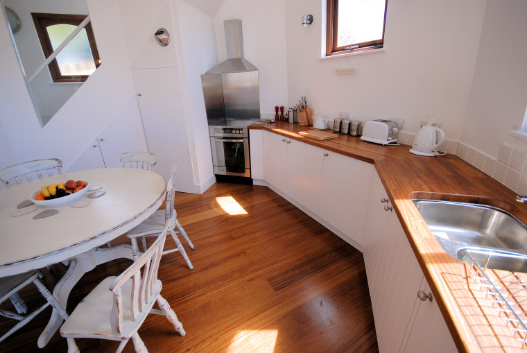 lighthouse_kitchen.jpg
