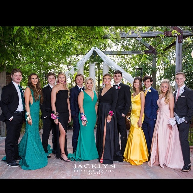 Now this is a good looking prom group!  Dths prom 2019. #jacklynphotography #seniormuse #seniorinspire #themodernteen #thetwelthyear #theseniorbest #themodernsenior  #seniorcityfeatures #seniorologie #seniorologiespotlight #posepatch #ssg #ssgstyleguide #modernsenior #modernteenstyle #modernseniormagazine #seniorlovin #seniorprom #dthsprom2019  #louisianaphotographer #ascenionphotographer #senior19🎓 #lovemyjob #bestjobever #seniorphotogoals