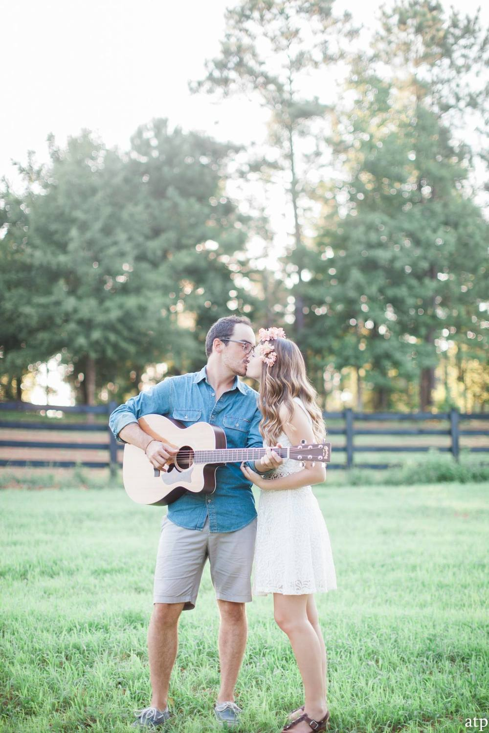 Savannah and Will's dreamy engagment in Atlanta, Georgia by A Thomas Photo