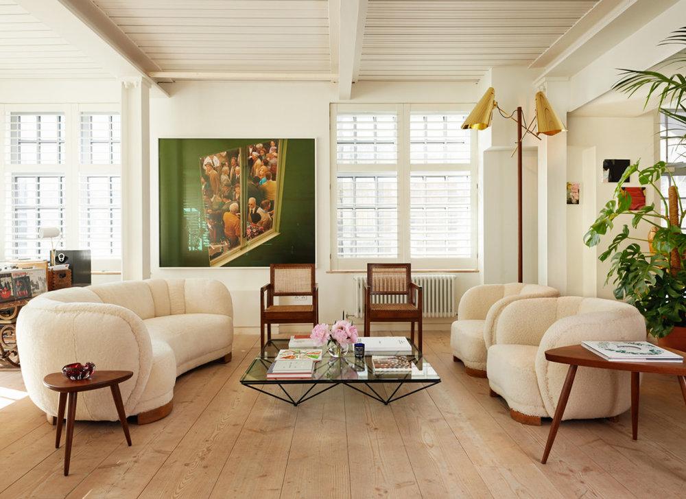 TH_Spaces_Alex-Eagle-_living-room-1050x763.jpg