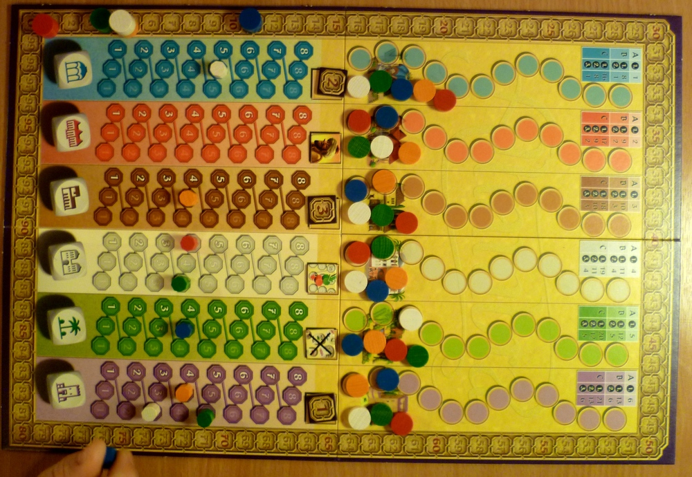 "The ""Alhambra Dice Game"" Board after round 1 scoring."