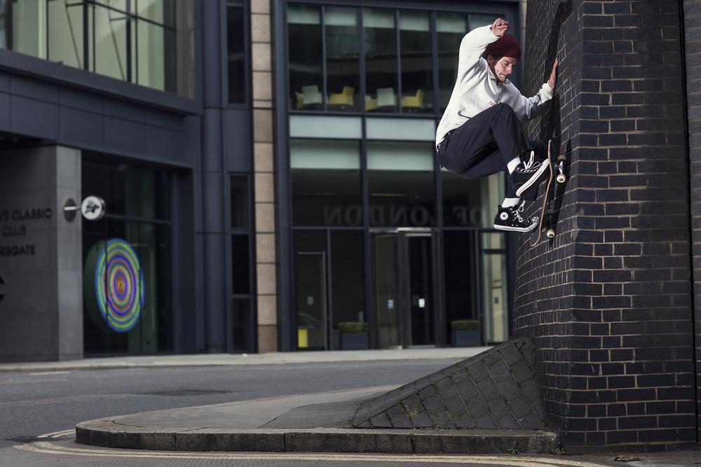 Jasper Pegg | Frontside Wallride