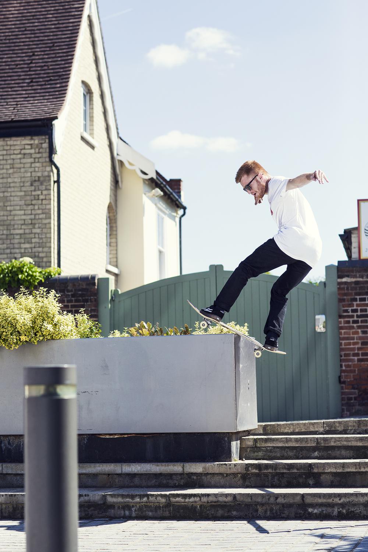 Charlie Munro | Front Board Pops