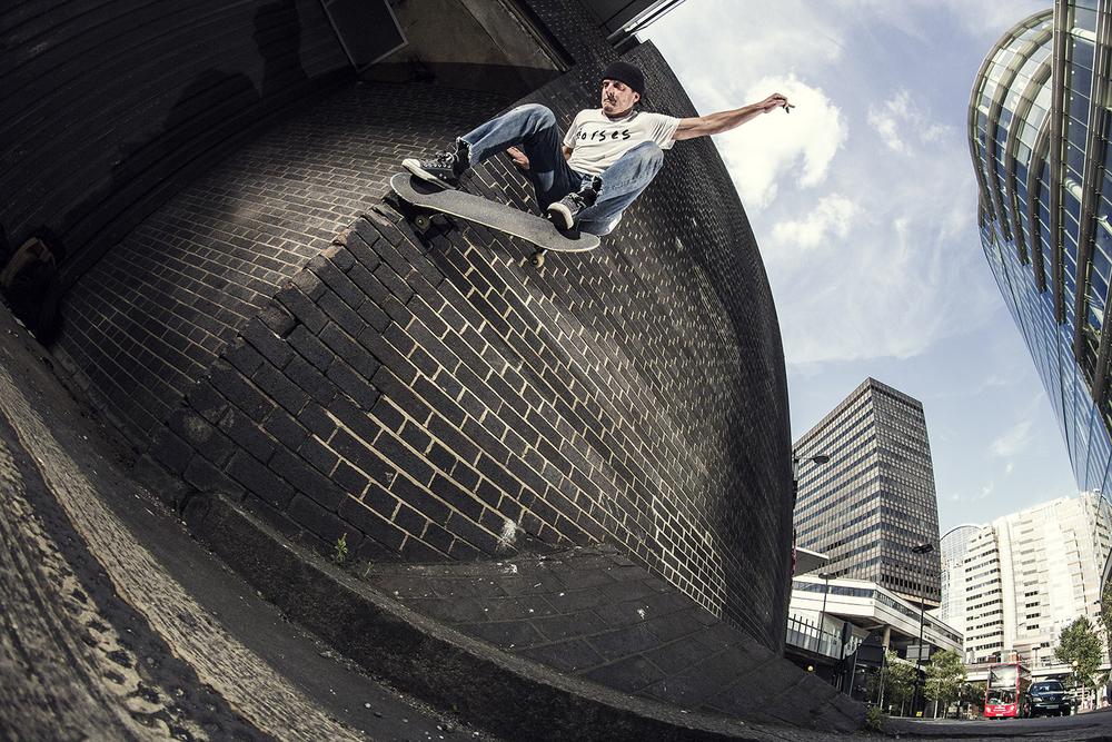 Jasper Pegg | Wallride Nollie