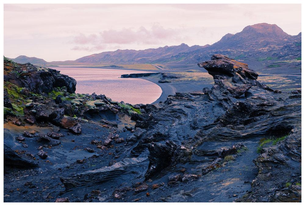 Kleifarvatn-Lake-Iceland.jpg