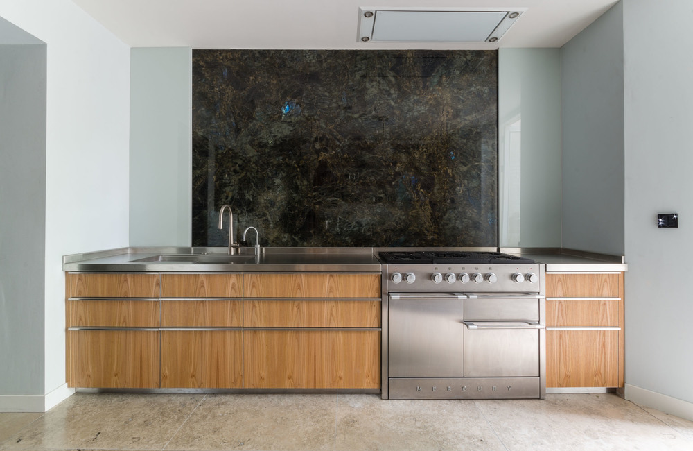 Powell Picano London - Clifton Gardens bespoke kitchen stone wall cladding
