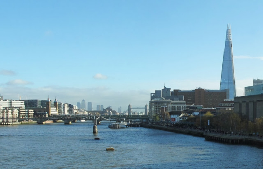 Blackfriars+Bridge_Panorama3+crppd+enhncd.jpg