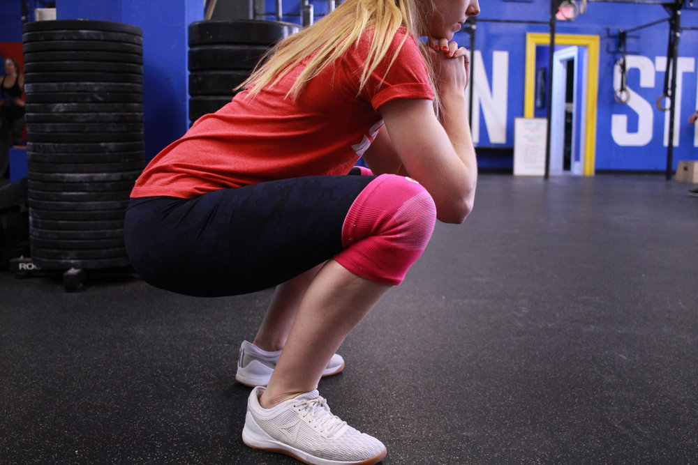 Sleeves  Some athletes wear sleeves on their joints (knees or elbows). These compress the joint— keeping it warm and promoting blood flow in a workout. For some athletes who feel pain or stiffness in their knees or elbows, sleeves are an easy prevention and potential fix.