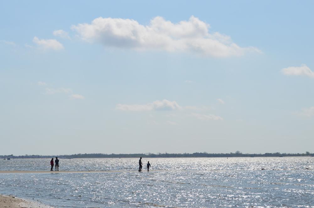 Plumb Beach Sand Bar 9-20-2014.JPG
