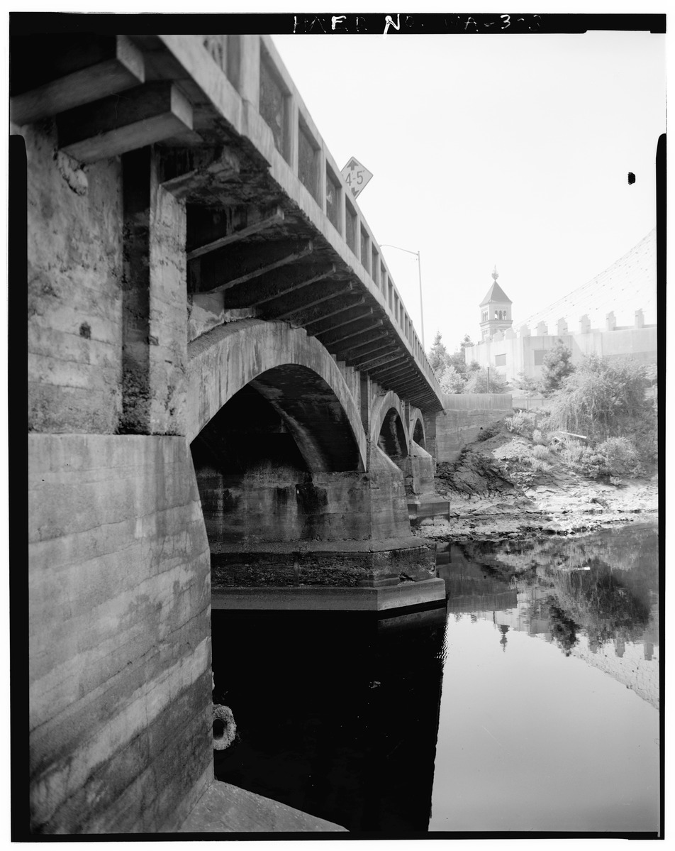 DETAIL OF FORM WORK IMPRESSION IN CONCRETE, WEST SIDE, LOOKING SOUTH -  Washington Street Bridge, Spanning Spokane River