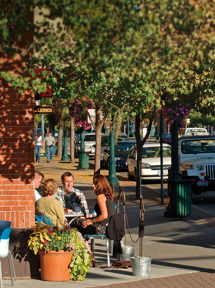 outdoor-dining-coeur-d-alene-idaho