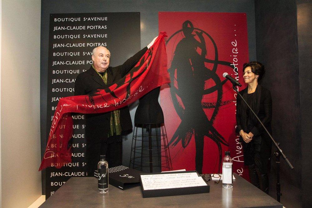 Le foulard Une Avenue, notre histoire, Journal de Montréal, 8 décembre 2014