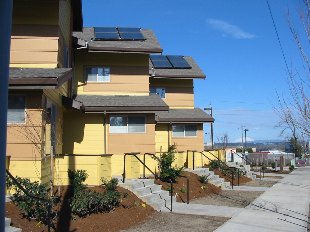 Clara Vista Townhomes -- 44 units -- (503) 284-3985 -- 6706 NE Killingsworth, Portland OR 97218