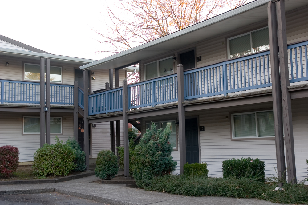 Villa de Clara Vista-- 133 units -- (503) 284-3985 -- 6706 NE Killingsworth, Portland, OR 97218