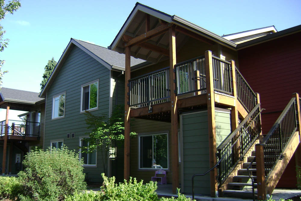 Villa de Suenos -- 28 units -- (503) 284-3985 -- 6706 NE Killingsworth Street, Portland, OR 97215