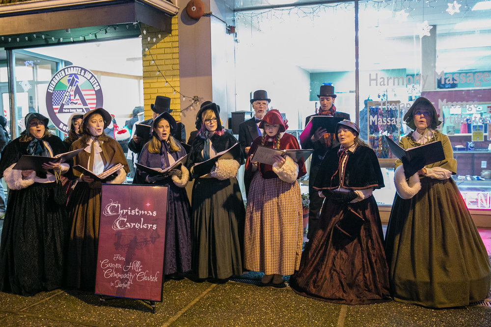 Christmas Carolers from Canyon Hills Community Church http://www.canyonhillscommunitychurch.com/ Bothell Event Photography | Bothell Tree Lighting Festival | JP Lumansoc Photography