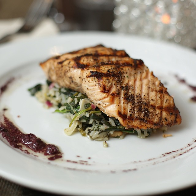 GRILLED ATLANTIC SALMON || Spanakorizo || Toasted Pine Nuts || Olive Tapenade ||