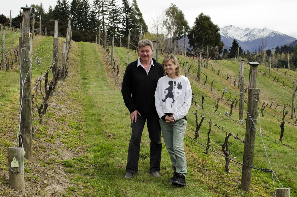 Dan (who has an uncanny resemblance to Bill Clinton) and Sarah Kate Dineen. Mt.Maude Vineyard, Wanaka, New Zealand