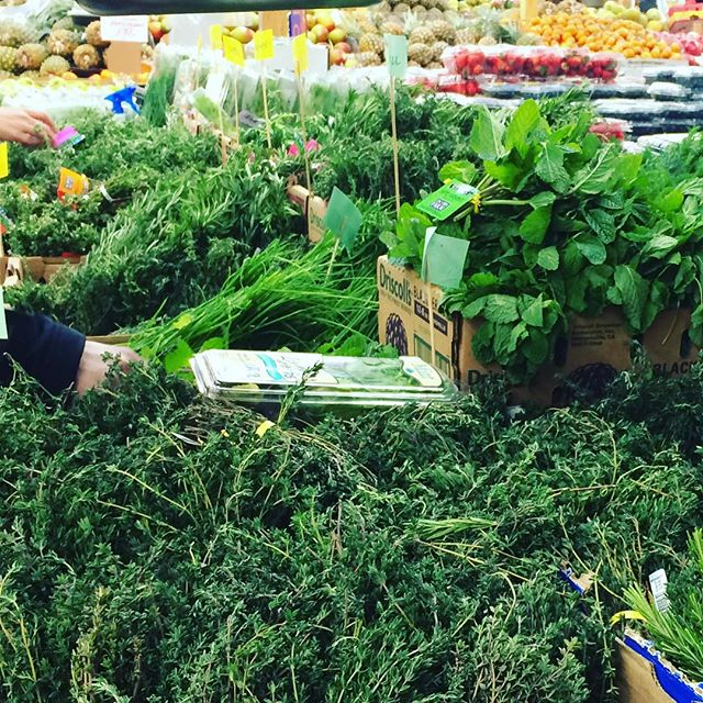 Sweet, sweet, East Bay.  The fresh herb offerings for Thanksgiving  at Berkeley Bowl is show stopping. #goodtobehome #eastbay #thanksgiving #fresh #berkeleybowl