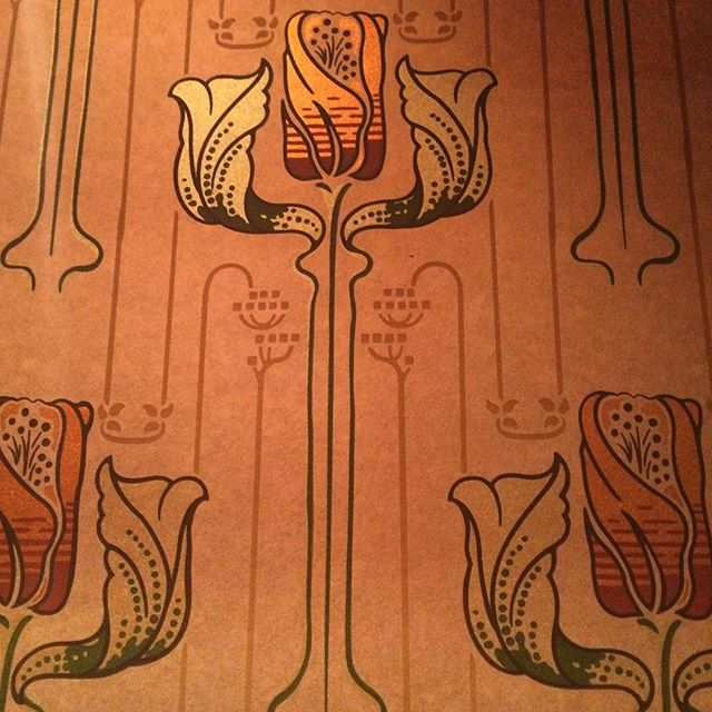 Checked a big one off my bucket list tonight. Lived up to all of the hype. Chez Panisse, may we meet again.  #chezpanisse #nouvellecuisine #origins #alicewaters #bucketlist #wallpaper #franklloydwright