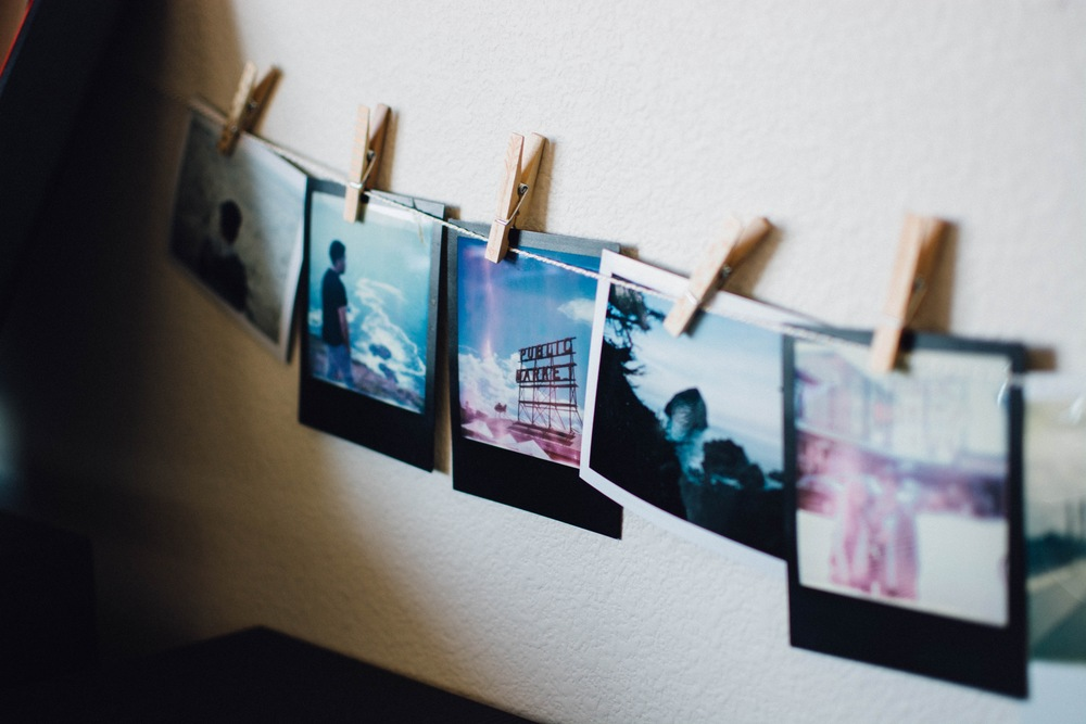 ESSAY/ MEMORIES OF HOME Pictures are the perfect way to fill your space with treasured memories of home. They take you back to an exact moment where you find yourself reminiscing the great times you had with family and friends.