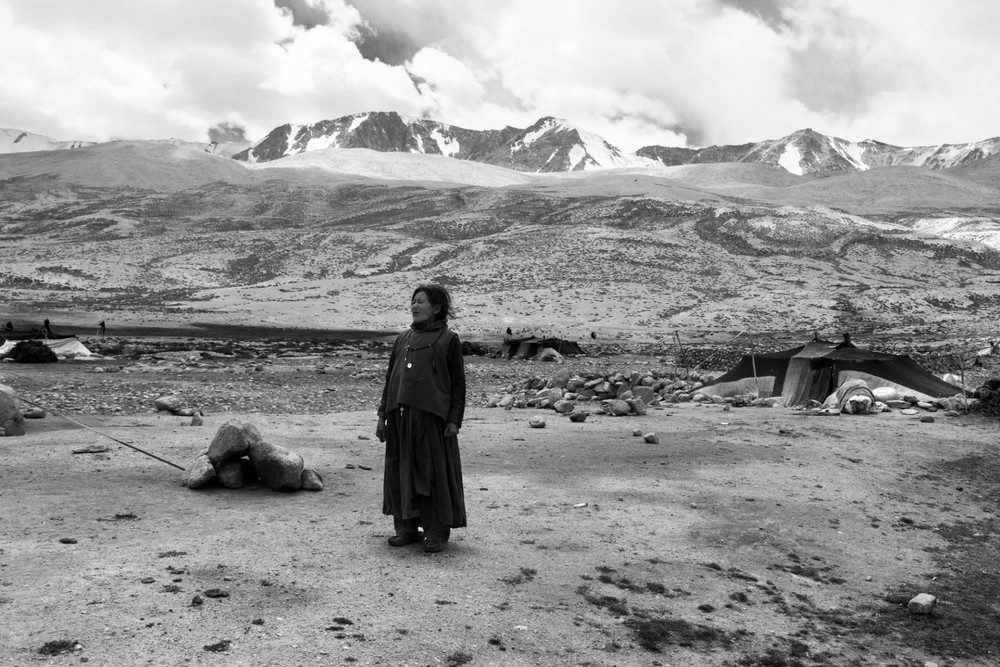 CREATIVE DIALOGUE/ CHANGPA SHEPHERDS High up on the Tibetan plateau, Calcutta-based photographer Rahul Dhankani has been documenting the Changpa, a slowly disappearing group of nomadic shepherds every summer for the last four years. Here, he discusses his experience and thoughts on photography with fellow photographer Kimberley Low.