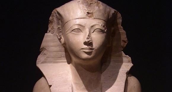 Statue of Hatshepsut.