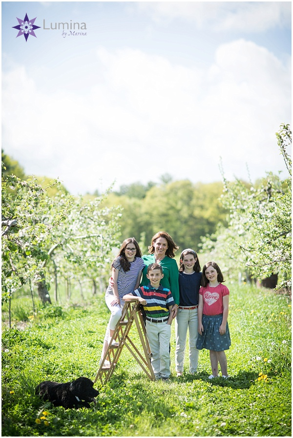 family_portrait_apple_blossom_0001.jpg
