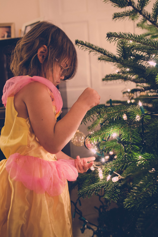 England Xmas Day 1 Tree Decorating_-4.jpg
